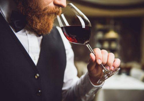 Uống rượu vang có thể làm bạn thông minh hơn